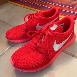 Nike roshe knit sneakers 8.5
